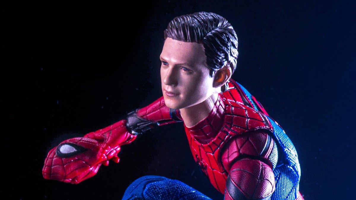 MAFEXのスパイダーマンを買ったはずなのに…実際に届いたものがこれだったw