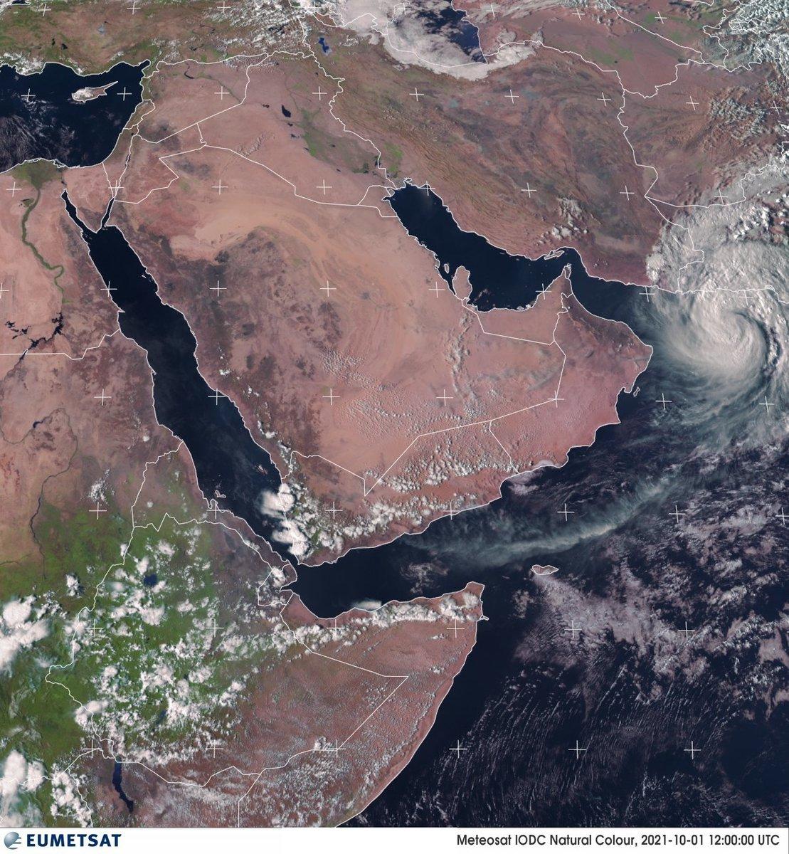 Le cyclone tropical #Gulab s'est développé au large du Pakistan. Il pourrait toucher #Oman en équivalent catégorie 1 (dans la région de Mascate) dans le courant du week-end. Image sat Eumetsat.