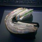 ミルフィーユのような財布w会社員時代の思い出が満載!