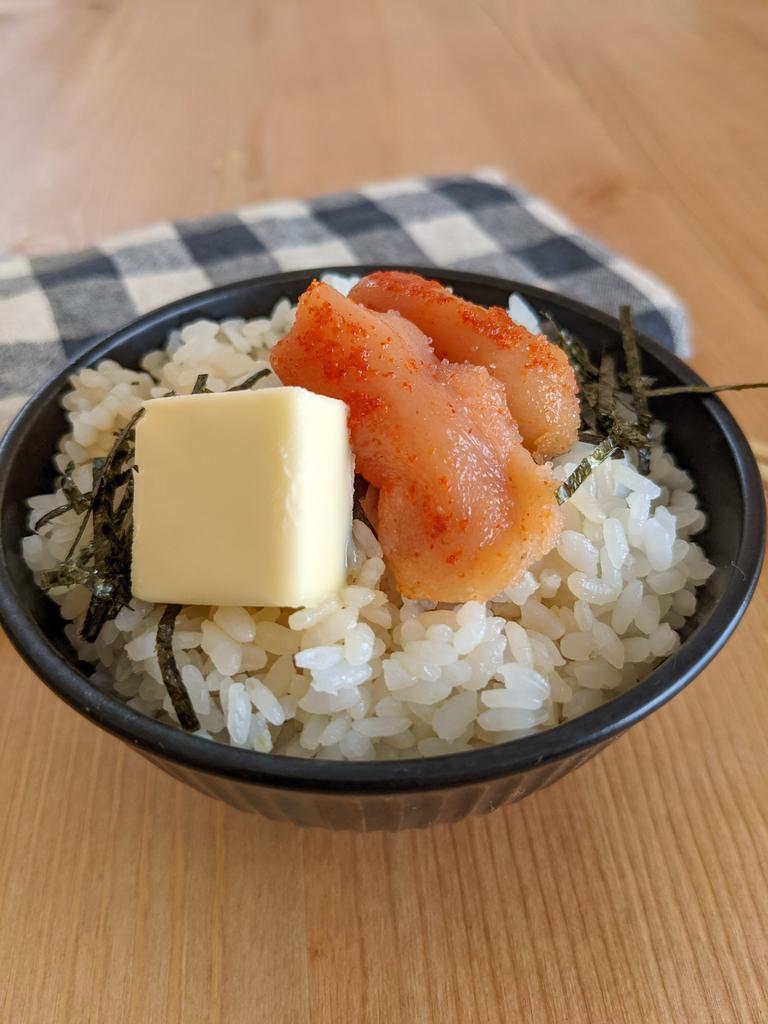 混ぜて乗せるだけで作れちゃうお手軽さ!明太子やバターを使った混ぜご飯レシピ!