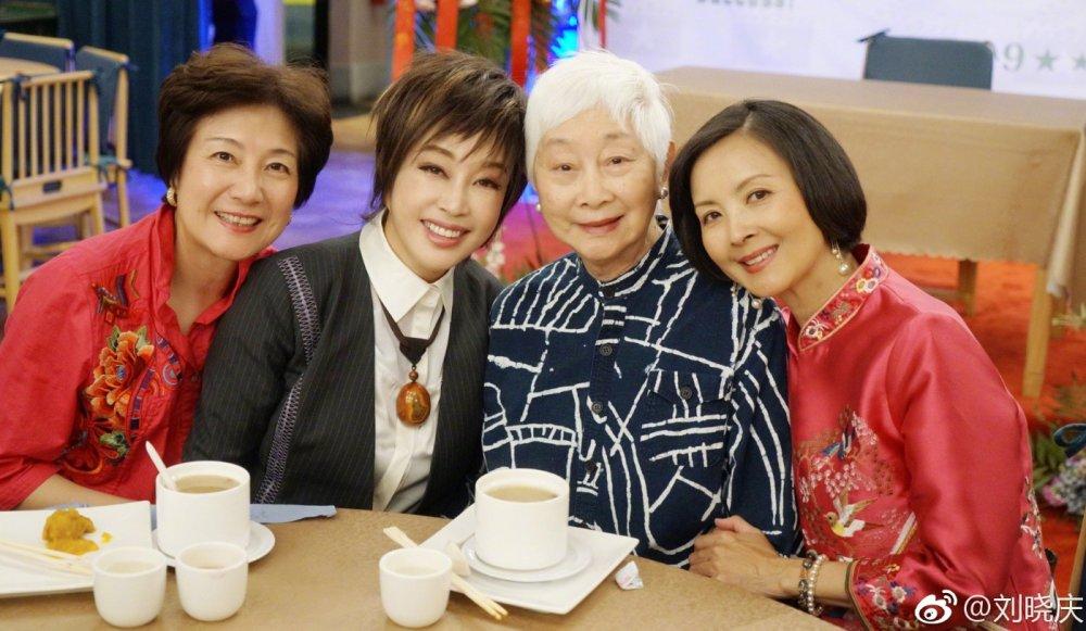 《火烧圆明园》、《垂帘听政》的三位女演员合体,他们分别是刘晓庆扮演的慈禧,陈烨扮演的慈安和周洁扮演的丽妃。