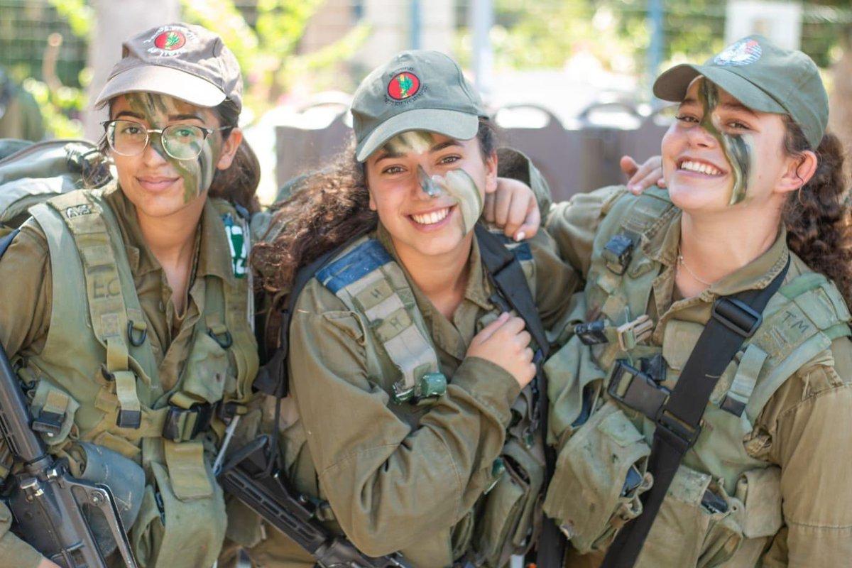 أبدأ أسبوعي بابتسامة جنودنا التي تحمل كل  معاني الأمل والتعايش والتسامح، وهكذا