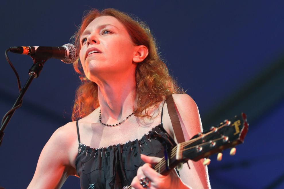 ""\""""Yesterday, it was my birthday. I hung one more year on the line."""" - Paul Simon  Happy Birthday, Gillian Welch.""990|658|?|en|2|aaaed52e322de42f40675cad7eec622f|False|UNLIKELY|0.29595115780830383