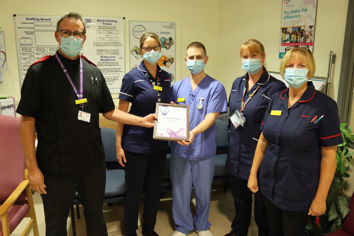 """🗣️""""We walked out of the hospital feeling that we had gained Dad in our souls, and not that we had just lost him. That is all thanks to Paul holding our hands."""" 💙 Congratulations to ICU nurse Paul Gothard, our Patient Hero Award winner! ➡️ bit.ly/3aLP0Bh"""
