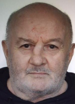 Please help Police find #missing Piotr aged 71years from #streatham . He walks with a limp, he is 5ft3 tall, navy blue T-shirt, hoody with red writing on it, black tracksuit bottoms and slippers. Call 999 quote 21MIS032312 if you see Piotr. 1508AS