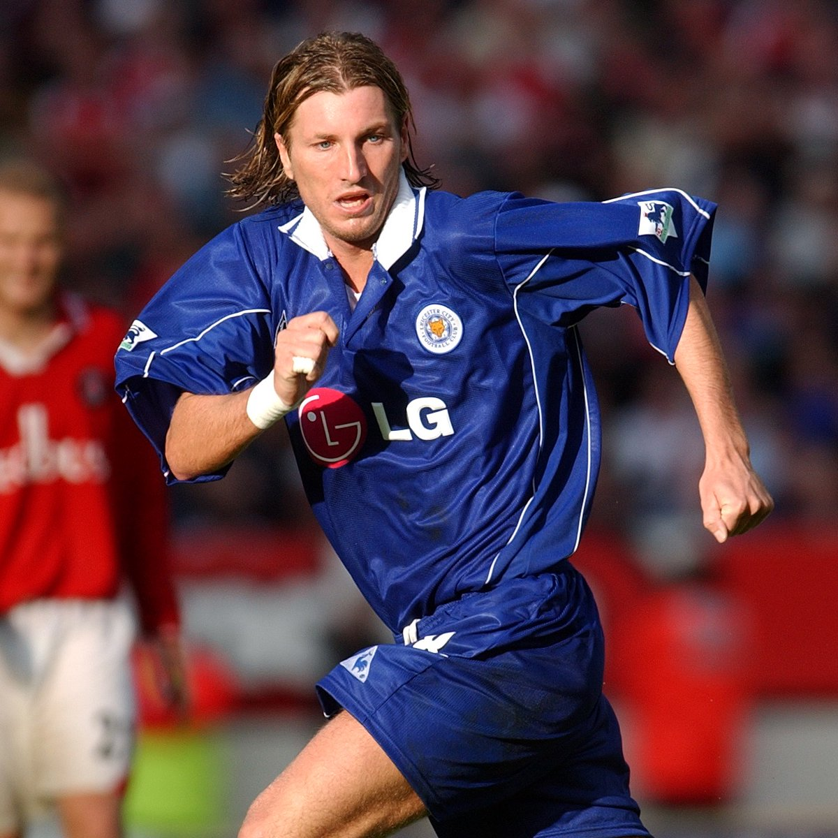 We're also wishing @RobbieSavage8 a very happy birthday today! 🎉