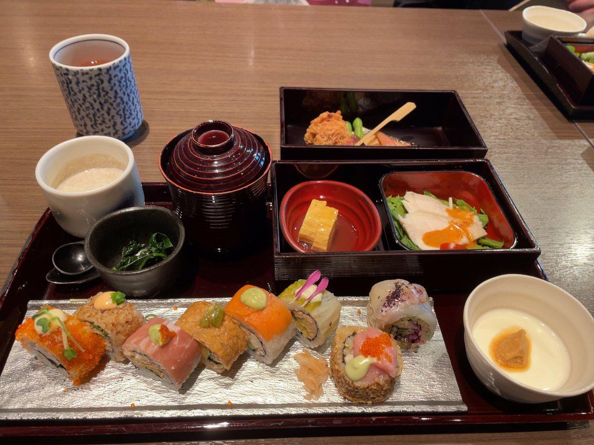 銀座へ行きました❣️ ②今回はランチ編🎵銀座はランチが、お得です❣️お得感メニューなのに❗️銀座クラスの対応の寿司バー😊