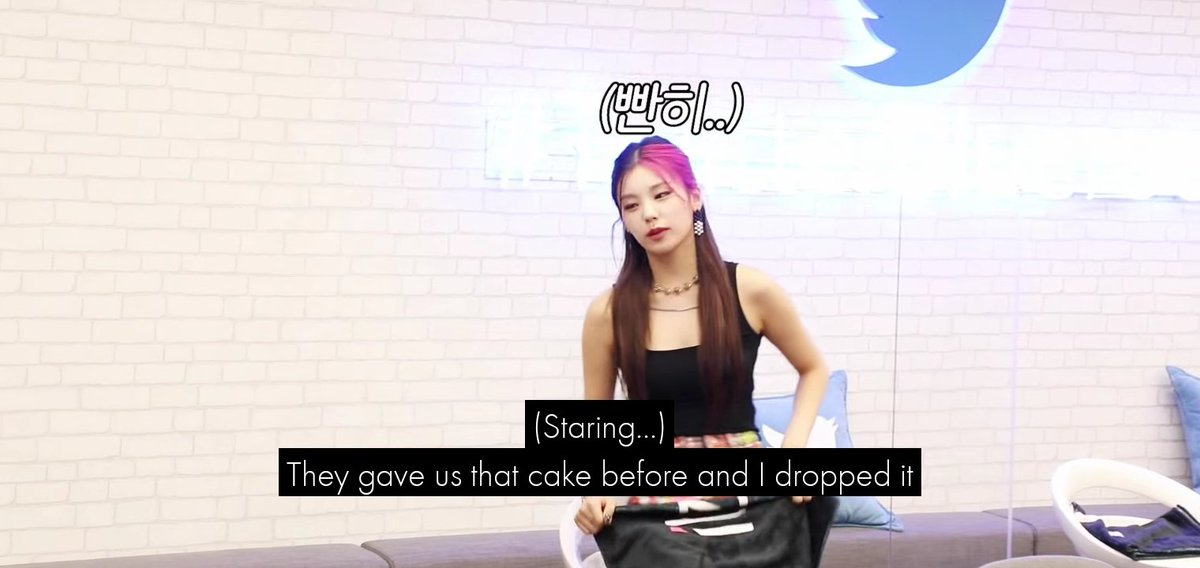 RT @midcys: even itzy's loco behind editor will never leave yeji peacefully 😭 https://t.co/8cN99ltrpN