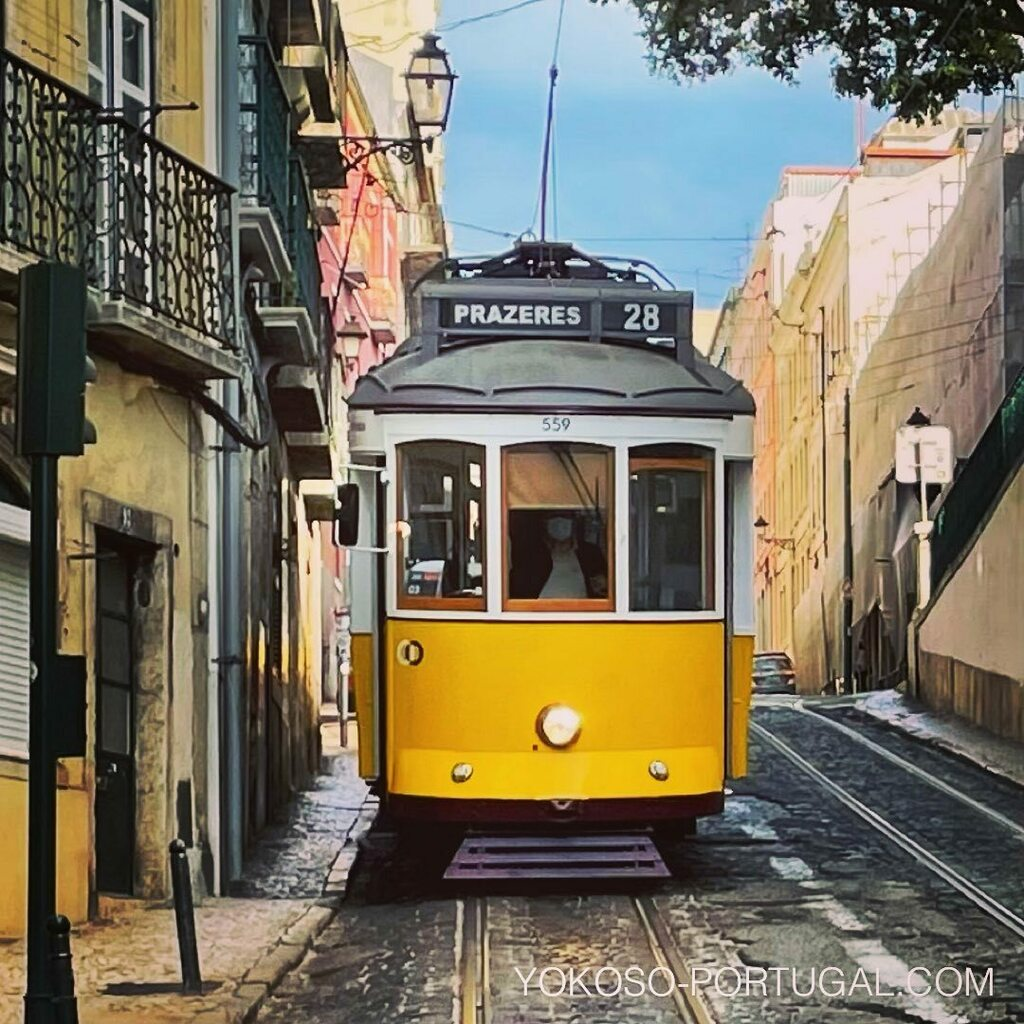 test ツイッターメディア - 路面電車28番は正面から見るとさらにかっこいいです。 #リスボン #ポルトガル #路面電車 https://t.co/lUTHOKzxQc