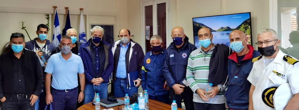 Στην #Ιθάκη σήμερα μαζί με τον Υφυπουργό @CTriantopoulos Η κακοκαιρία #Μπάλλος άφησε πολλές ζημιές στο νησί. Είμαστε εδώ, δίπλα στους κατοίκους. Ένα μεγάλο ευχαριστώ στον Δήμαρχο @DStanitsas και σε όλες τις Αρχές της Ιθάκης για τον αγώνα που έδωσαν. bit.ly/2YRI0zZ
