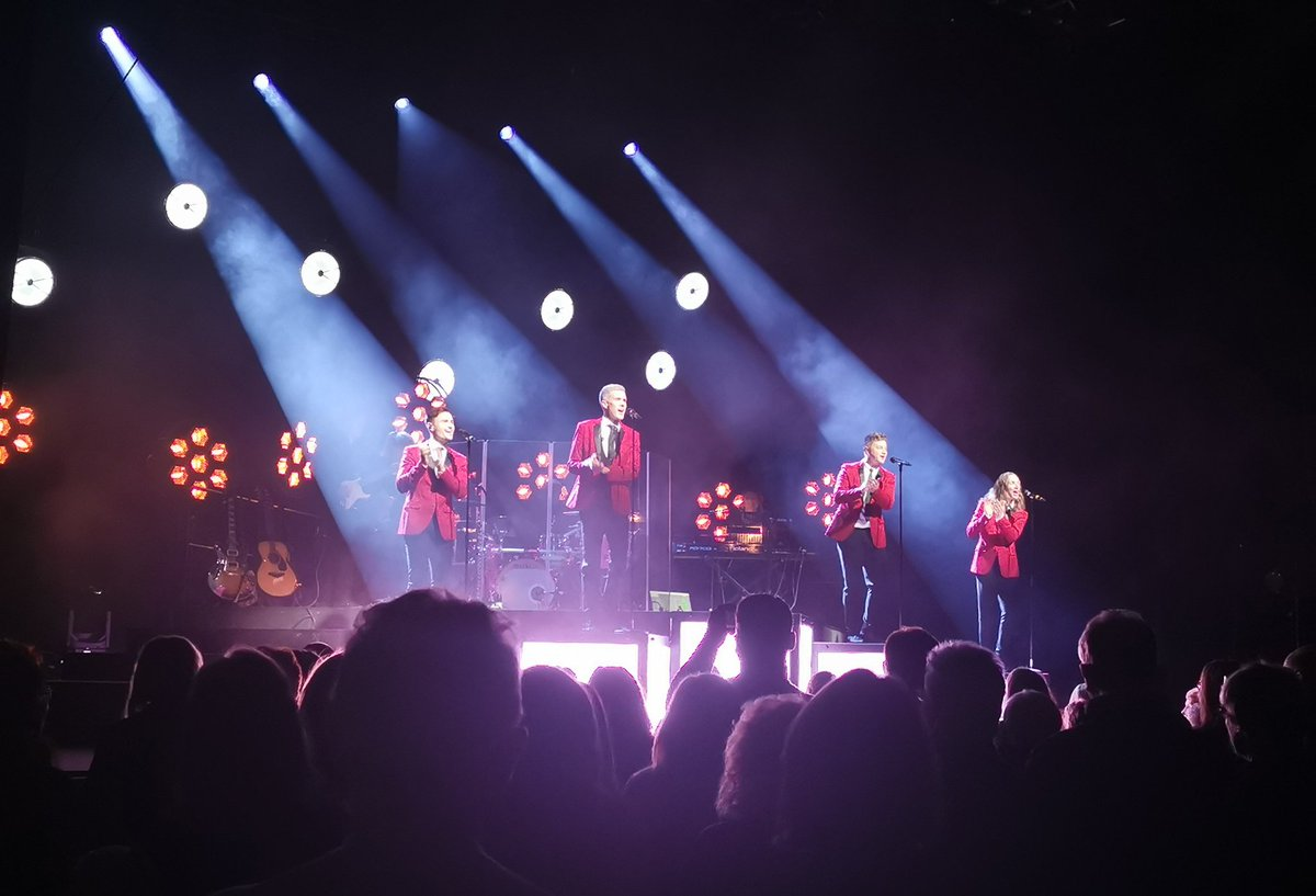 Great to be back at G Live last night, it really has been soooo long! Thank you @Collabro @MichaelCollabro @ThomasCollabro @MattCollabro @JamieCollabro for an amazing show! 🤩😀🎶