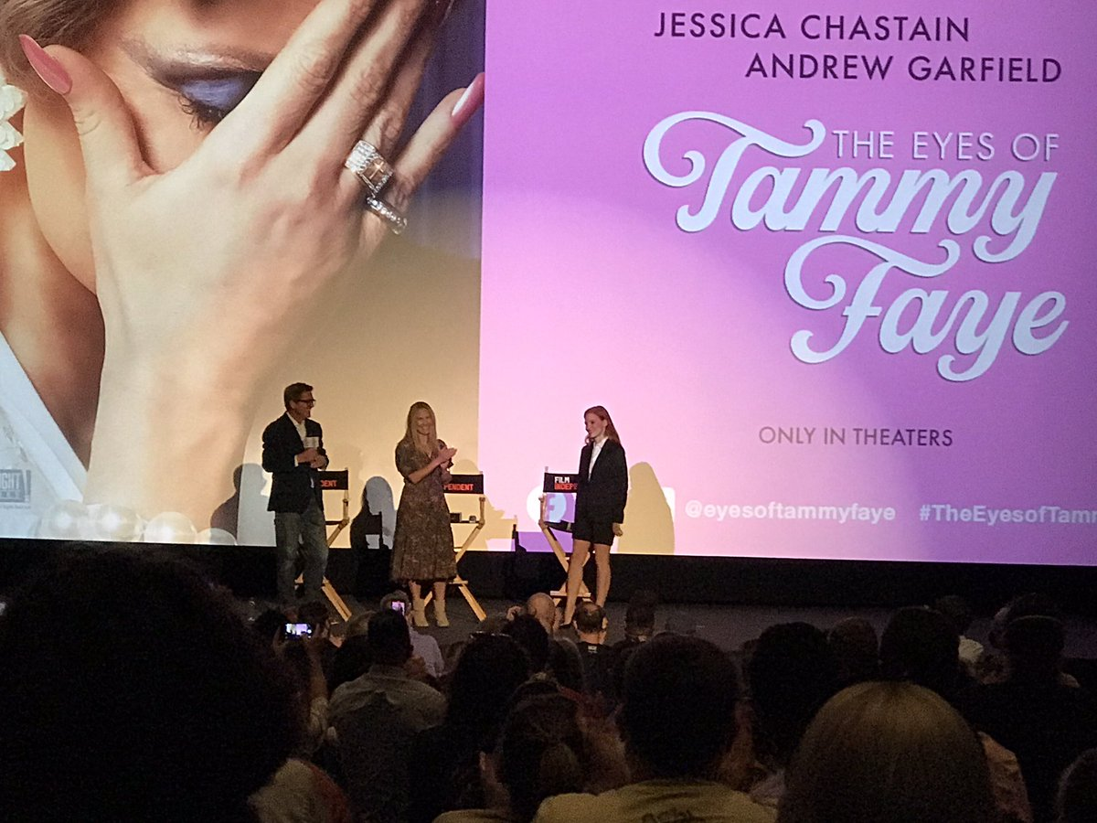A wonderful in-person  @filmindependent screening of @eyesoftammyfaye followed by a conversation with #JessicaChastain and producer Rachel Shane. I love my #FilmIndependent membership, especially during this season. #theeyesoftammyfaye