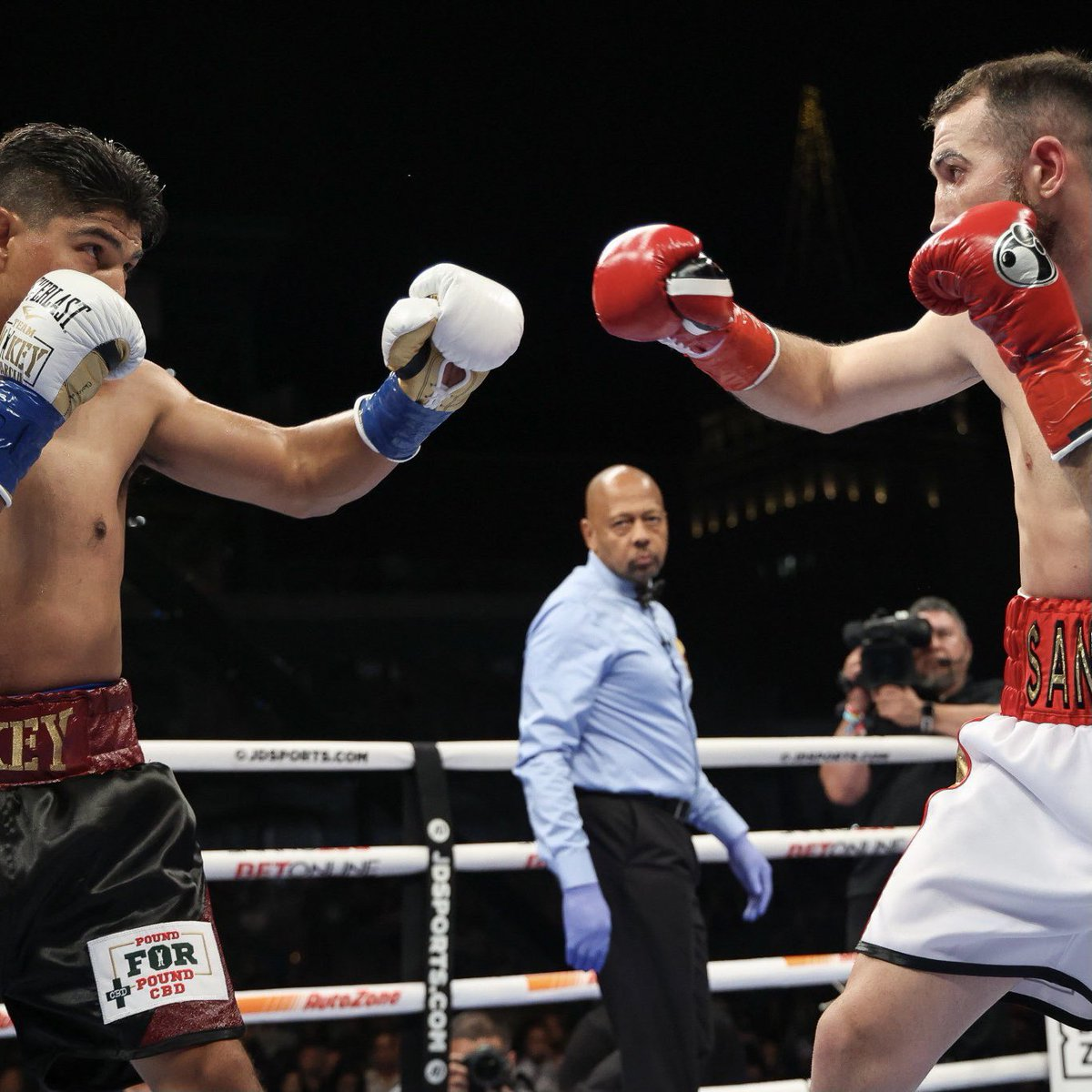 Sandor Martin pulled off the HUGE upset of Mikey Garcia. (via @MatchroomBoxing)