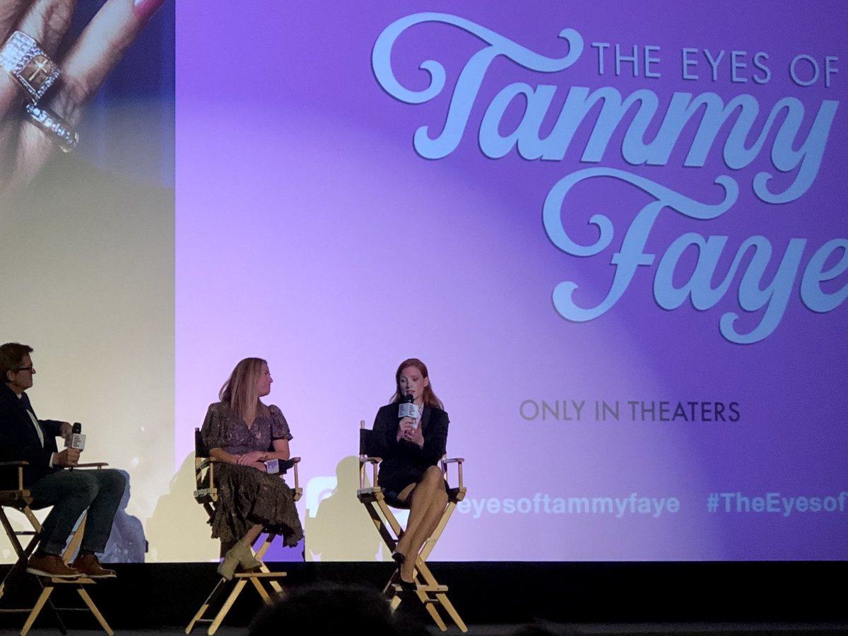All hail Jessica Chastain in #TheEyesofTammyFaye plus a well-deserved standing ovation following tonight's #FIPresents screening. And a fascinating Q&A to boot. Thanks, @filmindependent!