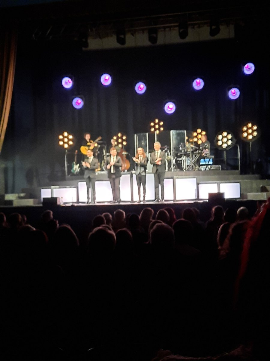 Had a fantastic time this weekend seeing our @Collabro boys!stunning performances,if you haven't seen it yet you are in for a treat, roll on next week @SandsCentre #nospoilers #mumstheword 😉🤫❤