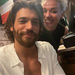 Image for the Tweet beginning: 📸 #CanYaman anoche con sus