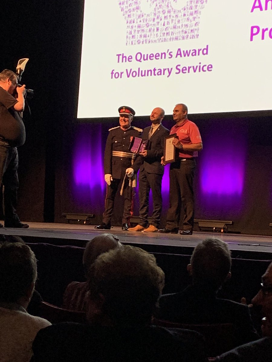 """Humbled to receive the Queen's Award for Voluntary Service 2020 from the @WMLieutenancy on behalf of @EnV_Coventry & the Coventry Ambassador volunteers today amongst many """"ordinary people doing extraordinary things"""". #QAVS https://t.co/gTWTnWHTze"""