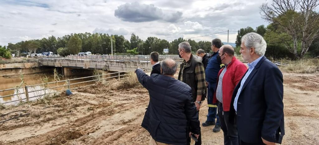 Αυτοψία στον Δήμο #Ελευσίνας και στα προβλήματα που άφησε η κακοκαιρία #Μπάλλος, μαζί με τον Δήμαρχο Αργυρή Οικονόμου και τους Αντιδημάρχους Ελευσίνας και Μαγούλας. Είμαστε δίπλα στην Τοπική Αυτοδιοίκηση και τους κατοίκους της περιοχής.