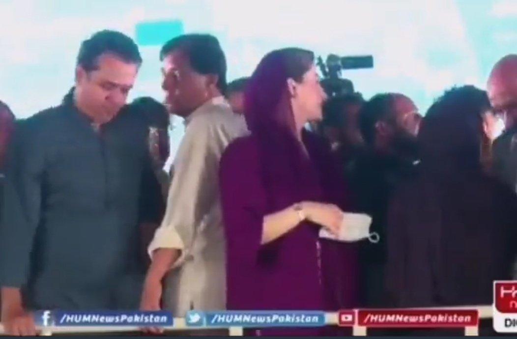 RT @Jooookeeeerrrr: Captain Safdar Be Like;  یہ میرا علاقہ ہے اور میں یہاں کا جیکانت شکرے 😁...