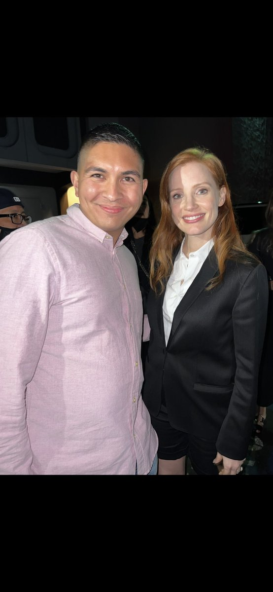 How it started vs How it's going.   Finally reunited with @jes_chastain Weeks later after doing a zoom with her. Still as nice as ever. Please see The Eyes Of Tammy Faye because she's amazing in it. #jessicachastain #theeyesoftammyfaye #fyc #filmtwitter #hero #bestactress