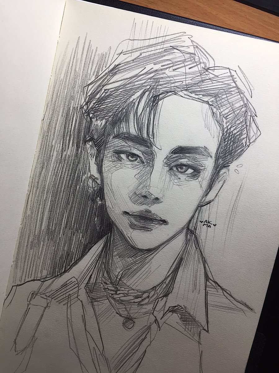 RT @akma_art_t: #Hyunjin_ArtistOfTheMonth #HYUNJIN #Straykidsfanart  ❤️💔❤️💔❤️💔 https://t.co/XzzQ7BwSxb