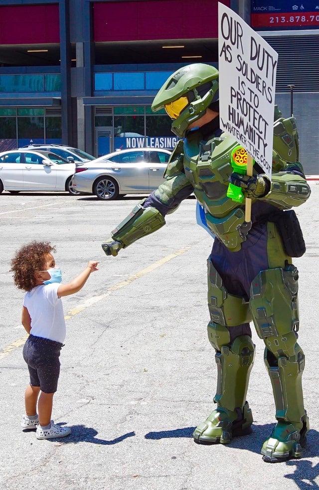 RT @Xbox_Jugones: Siempre serás nuestro gran héroe ♥️. Quedan 51 días para #HaloInfinite   #Xbox https://t.co/Ey0bqBNmXW
