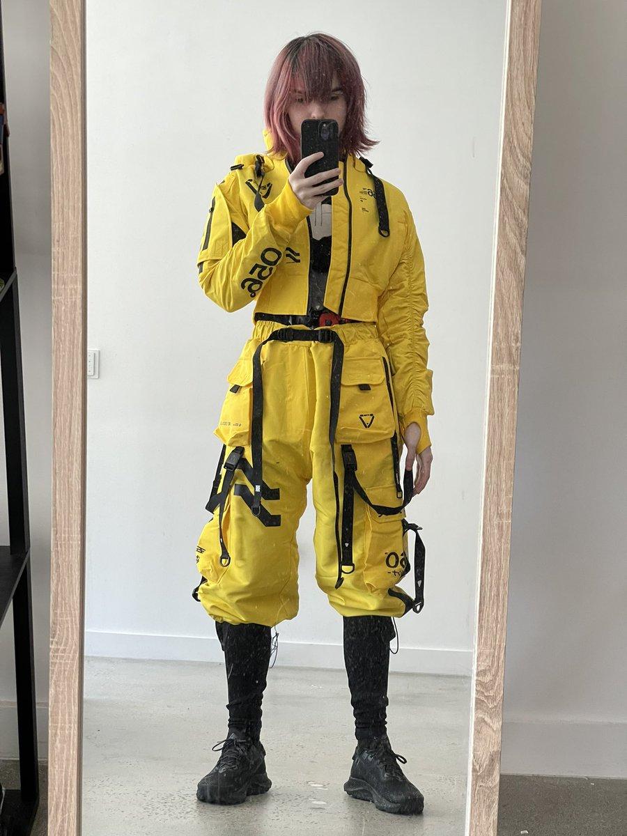 I'm a yellow little fellow