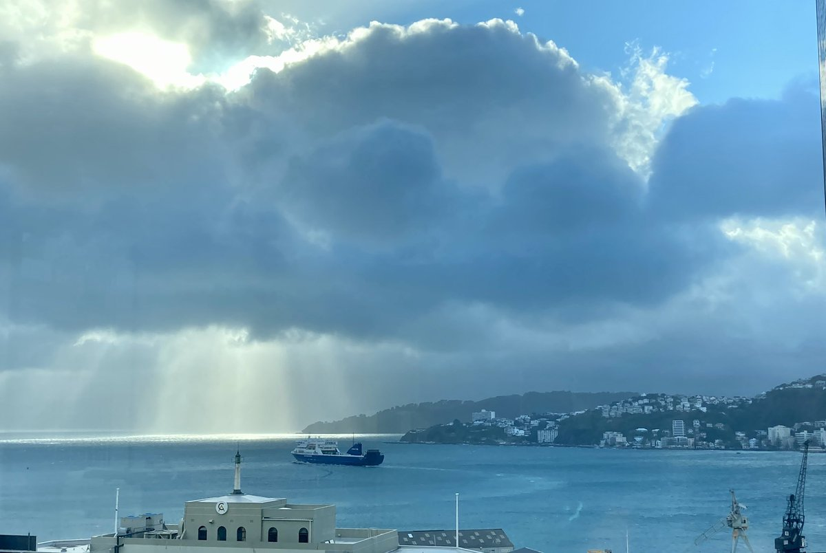 Dramatic outlook on a classic spring day in #Wellington