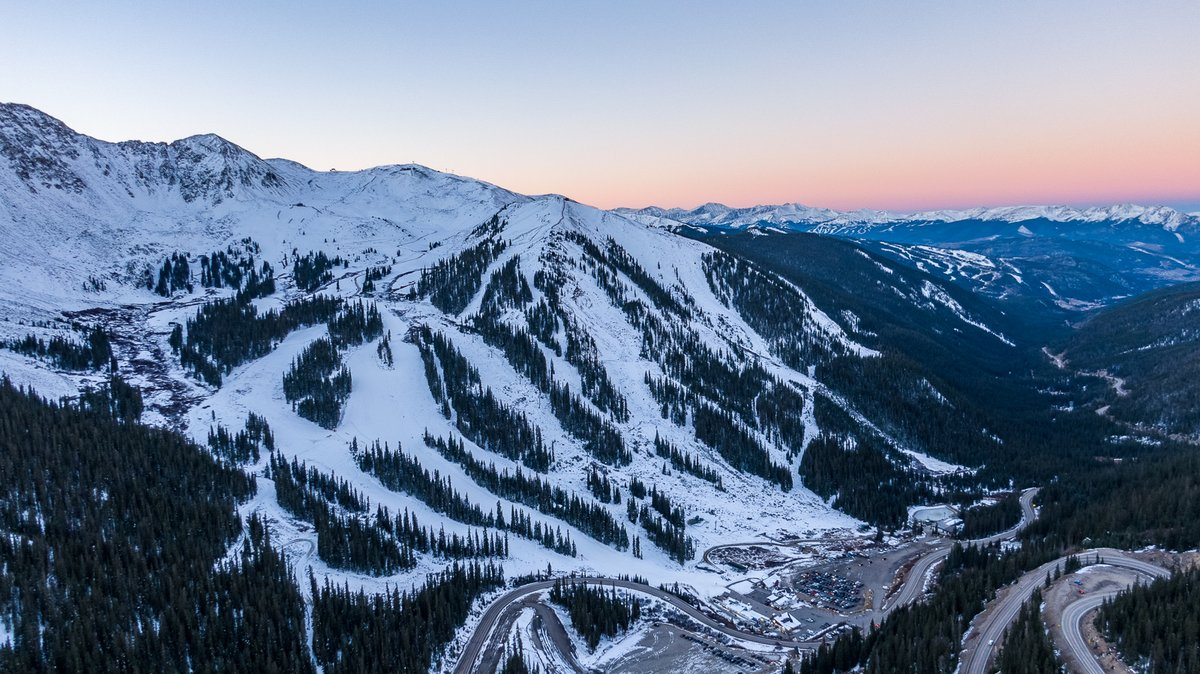 Opening Day at Arapahoe Basin 💗 #ABasin is back in business for skiing this Winter 2021/22 👏👏👏👏 #LetsGoSkiing