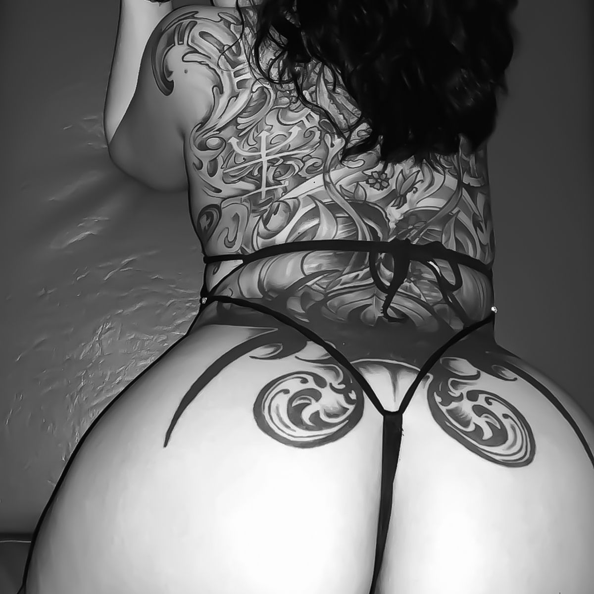 Come check out the best buns in Tennessee! Spend your Friday with ASPEN, JASMINE, KHALEESI, RAYNE, MICHELLE, NATALIE, ANGEL, NIRVANA, RILEY, COCO, DIAMOND, SUMMER 😘 . . . #bestbooty #betteronbuns #buns #booty #datass #themousesear #knoxville #stripjoint