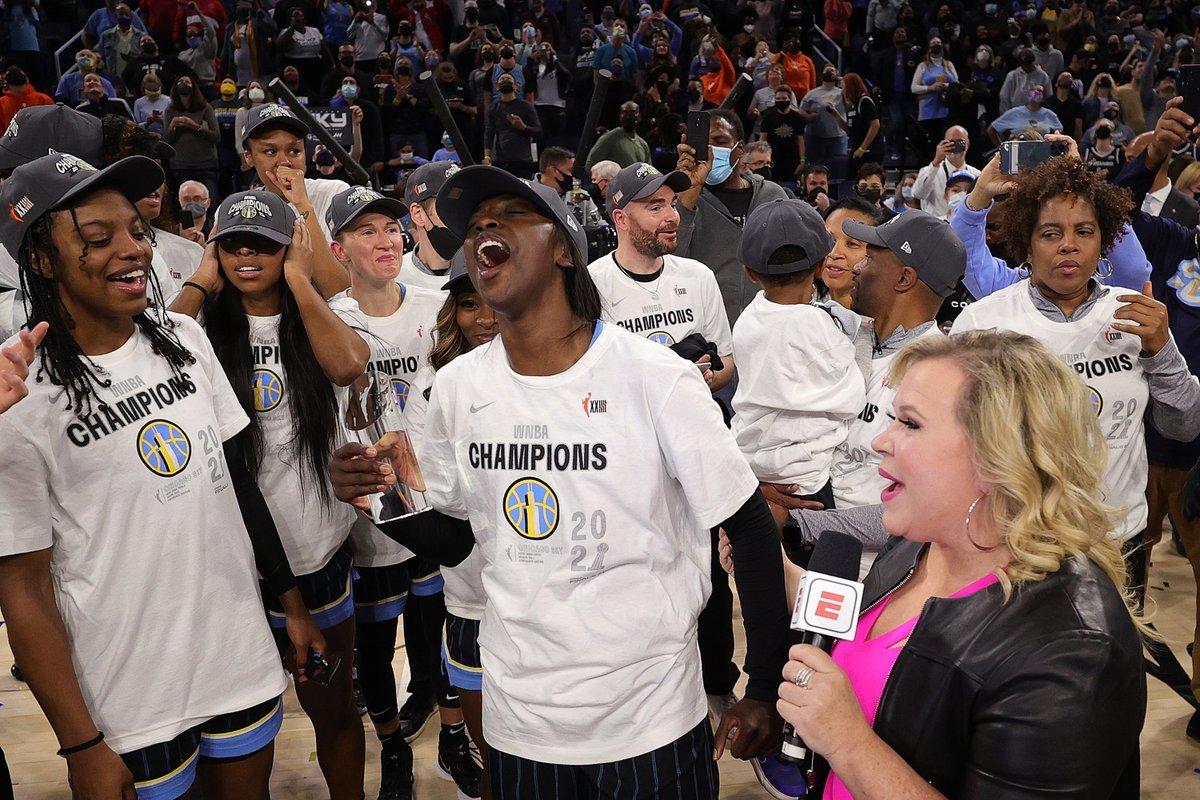 Kahleah Copper wins the 2021 WNBA Finals MVP award 🔥