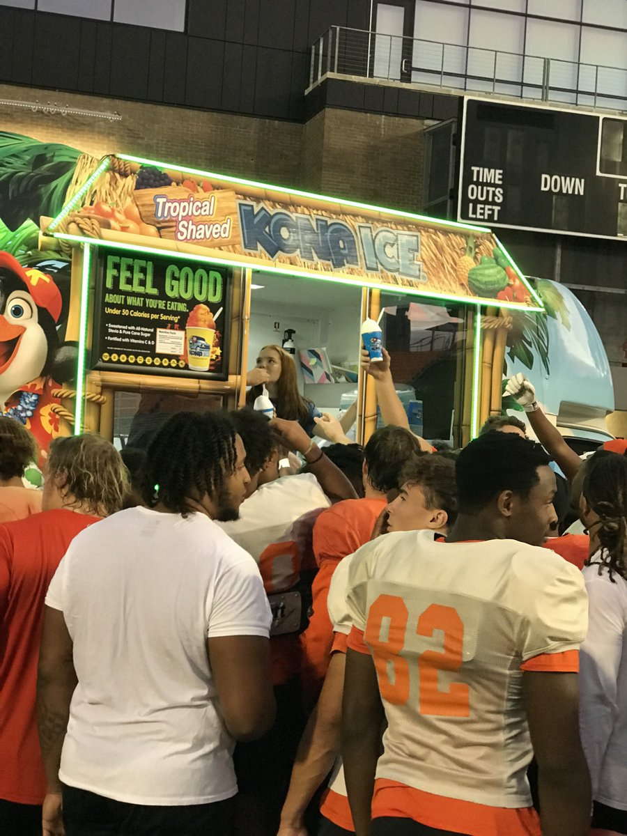 Coaching Staff had a nice surprise after tonight's practice for the guys. Ready to attack the 2nd half of the season! Thank you to @KONAICE for stopping by!  #EatEmUpKats #RunItBack