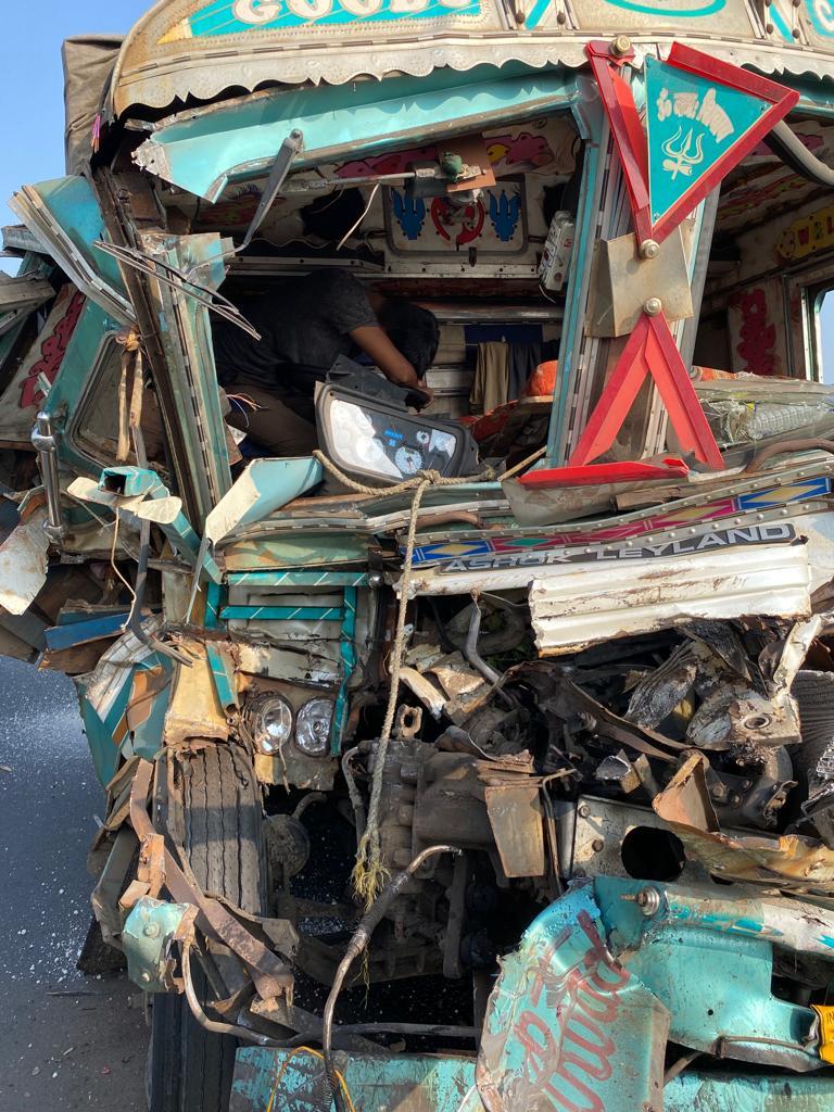 Traffic jam on Vadodara Expressway due to truck accident