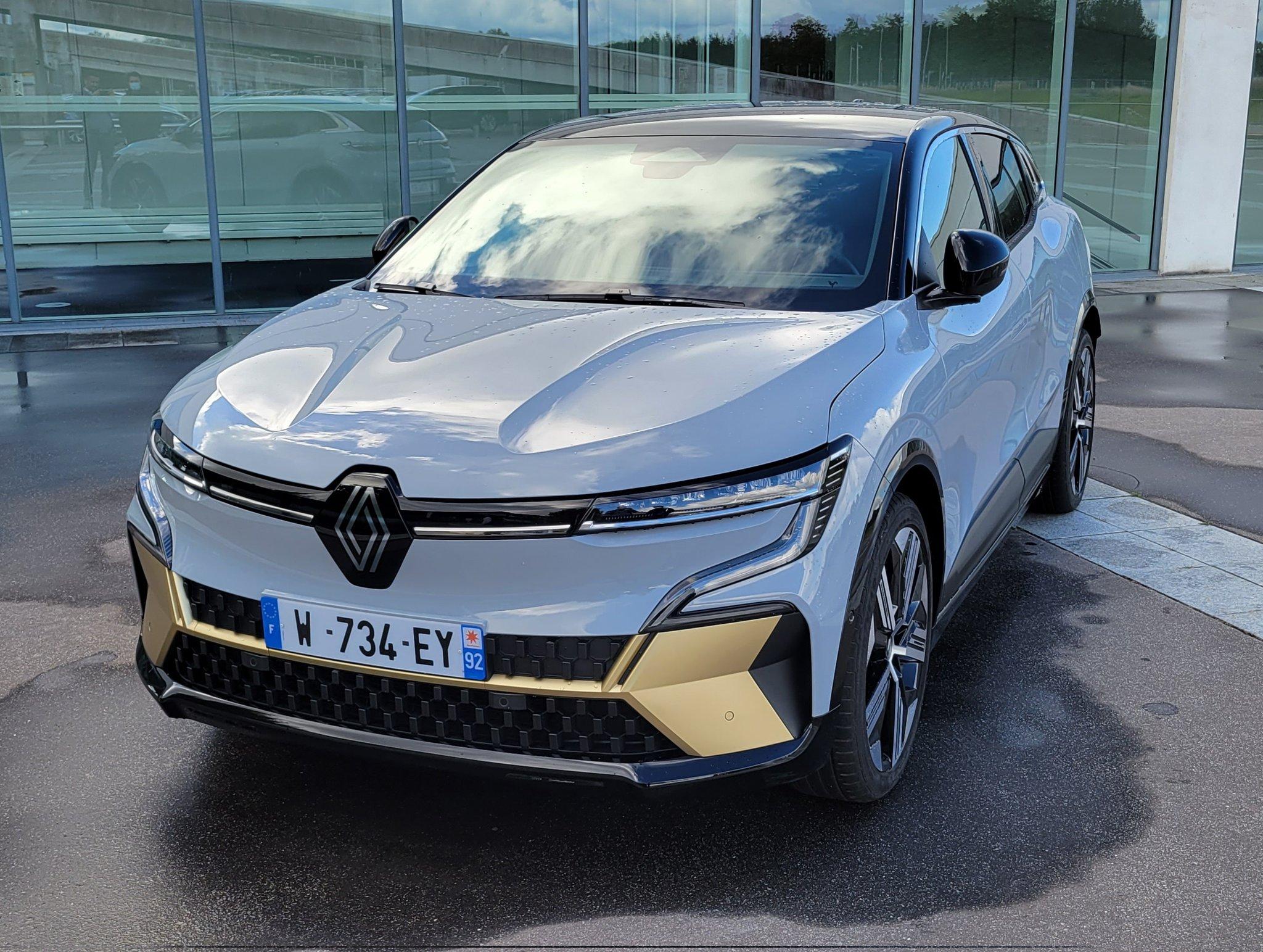 2021 - [Renault] Mégane E-Tech Electric [BCB] - Page 14 FBADaxPVgAUmUjm?format=jpg&name=large