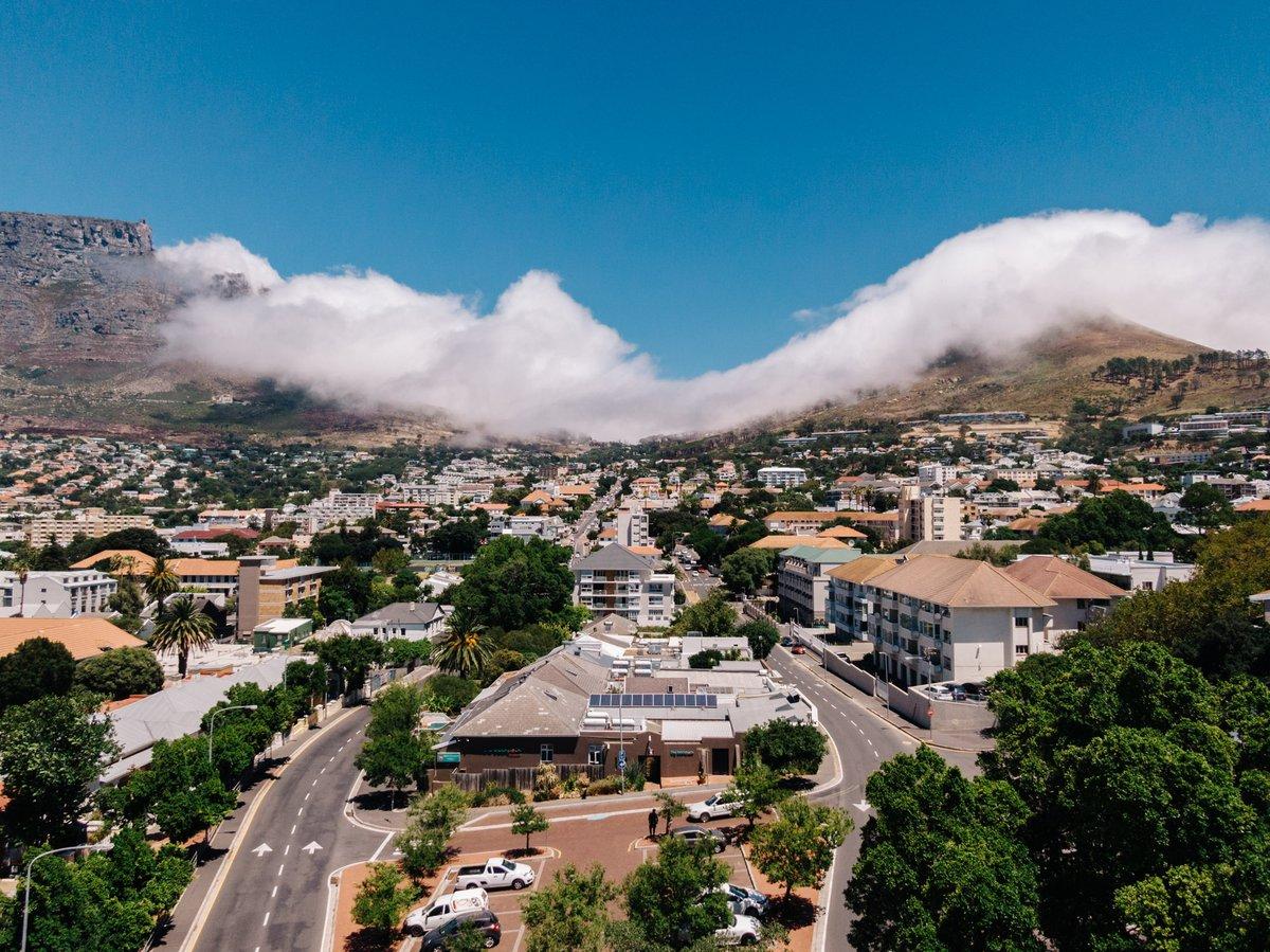 A place of #togetherness 💙 Ey ihr lieben Menschen da draußen. Heute ist es so weit - die #VillaViva Capetown öffnet ganz offiziell ihre Tore! Ganz viel Liebe für die vielen Menschen, die dies ermöglicht haben💙 https://t.co/Hnf9l6EIdc https://t.co/H4FRkfjKRc