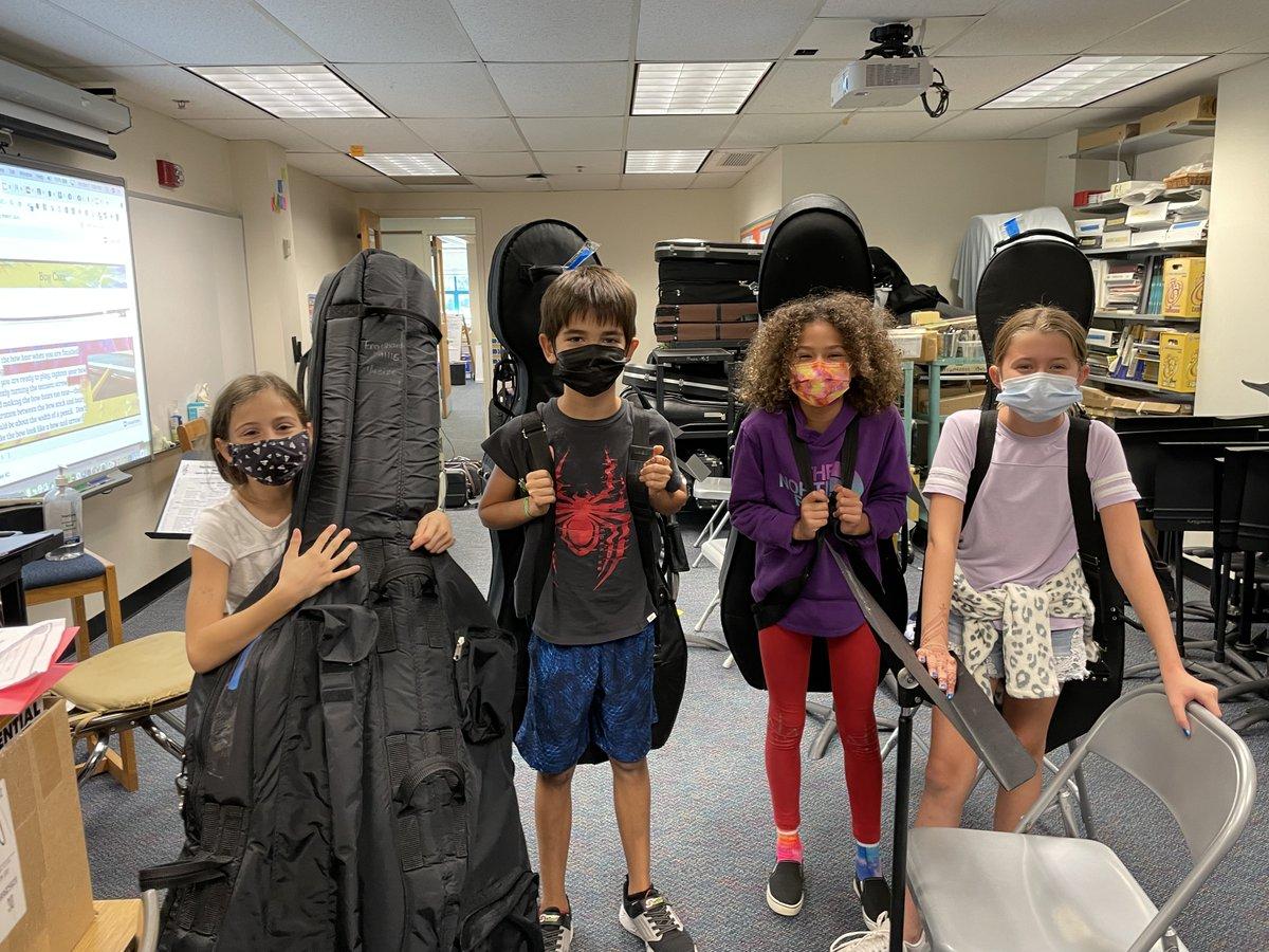 又一天,更多的樂器和@longbranch_es四、五年級學生一起回家! 享受可愛的聲音,父母!! 我喜歡刺激! 🎵🎺🎻🎼 https://t.co/tpruHgY4Ze