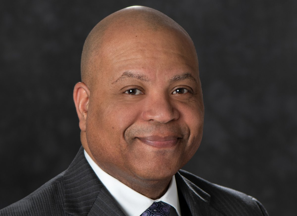 Congratulations to our Chief Diversity and Inclusion Officer @ChevyCleaves, the 2021 recipient of the @MassTLC Mosaic Award for his work in creating access and opportunity for future leaders! masstlc.org/mass-technolog…