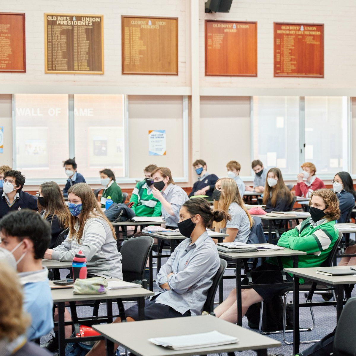 Warm wishes from the CGS community to our Year 12 IB students, who had their final day of on site classwork prior to their exams! 📖