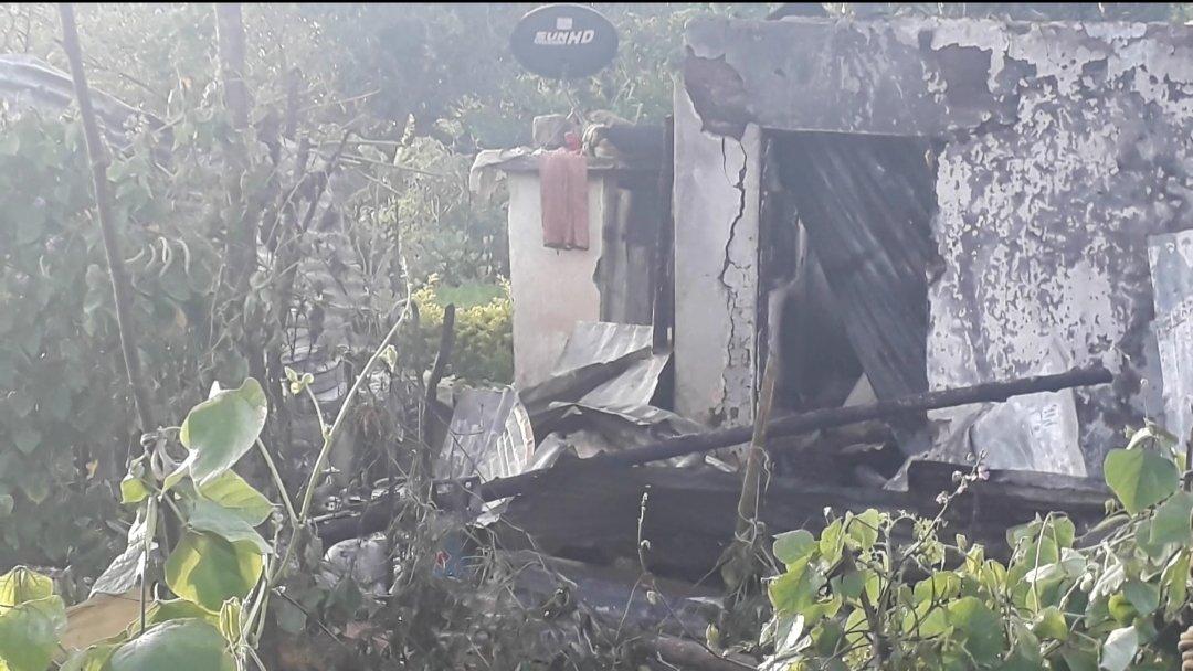 2 குழந்தைகள் உள்ளிட்ட ஒரே குடும்பத்தைச் சேர்ந்த 5 பேர் தீயில் பலி-Fire Accident-5 Died Including 2 Children in Same Family