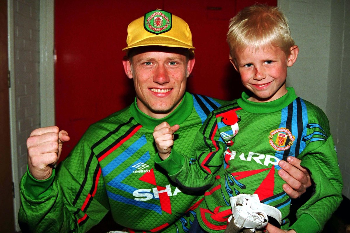 RadioHQ: On Saturday Breakfast tomorrow on @bbcradio2 Peter Schmeichel @Pschmeichel1 chats about his autobiography and @eddiehearn on the future of the heavyweight division. 8-10am.