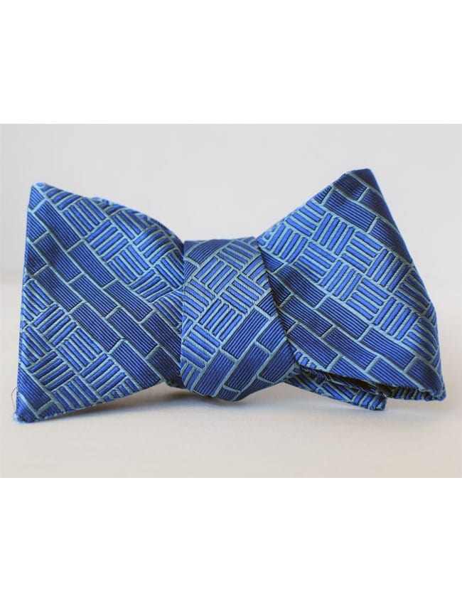 Tonight's bow tie for Red Sox at Rays on @FS1 at 7:02pE: Big League Impact, using the platform of sport to help end global poverty. This is Adam Wainwright's foundation @UncleCharlie50. More: bigleagueimpact.org