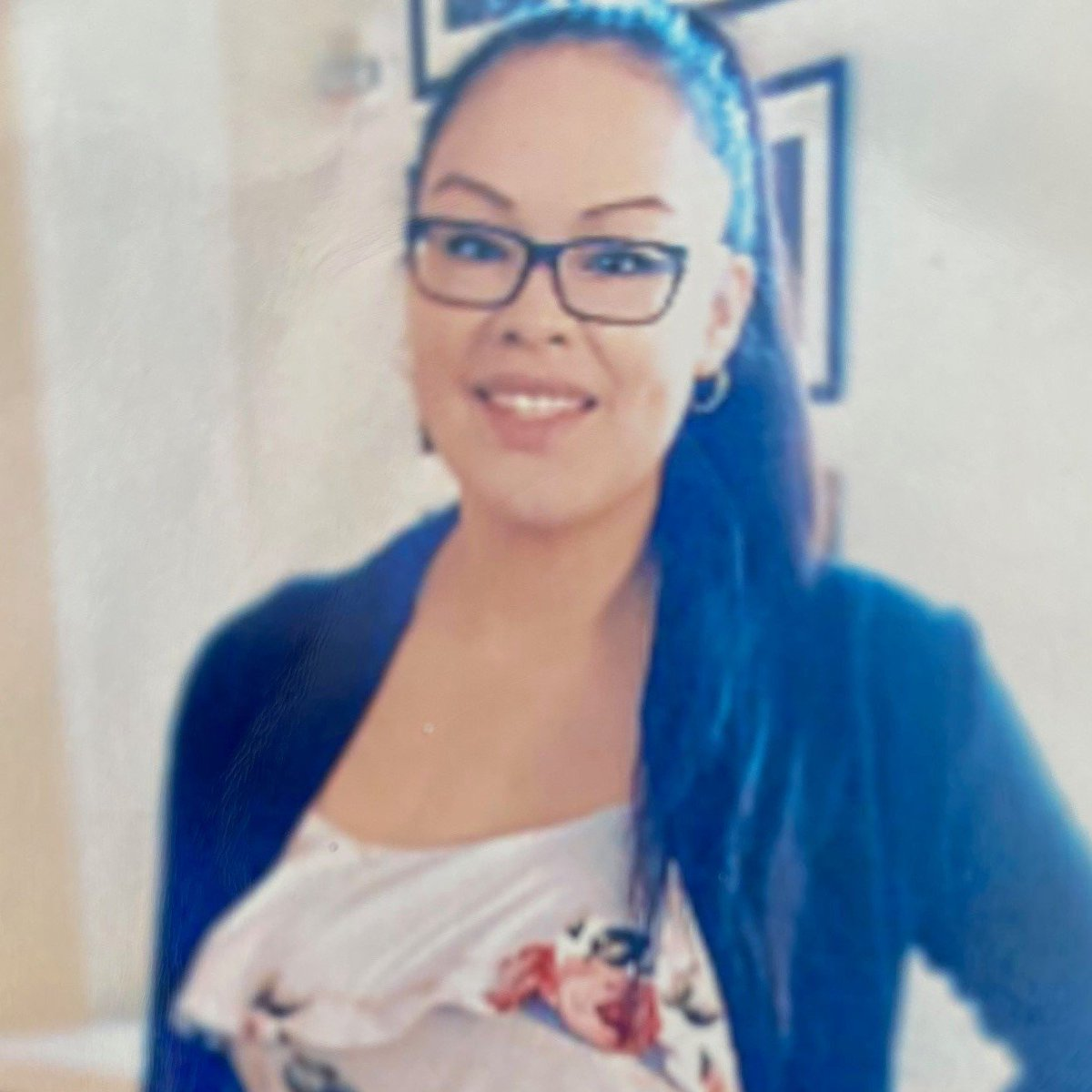 Missing woman from #OnionLake may be in #yeg: Shaylene Heathen (25 y/o) was last seen on August 20, 2021. She's 5'7, 130 lbs, has brown eyes, long brown hair and wears glasses. Tattoo of an elephant on right forearm. RCMP say she may be in Edmonton. RT?
