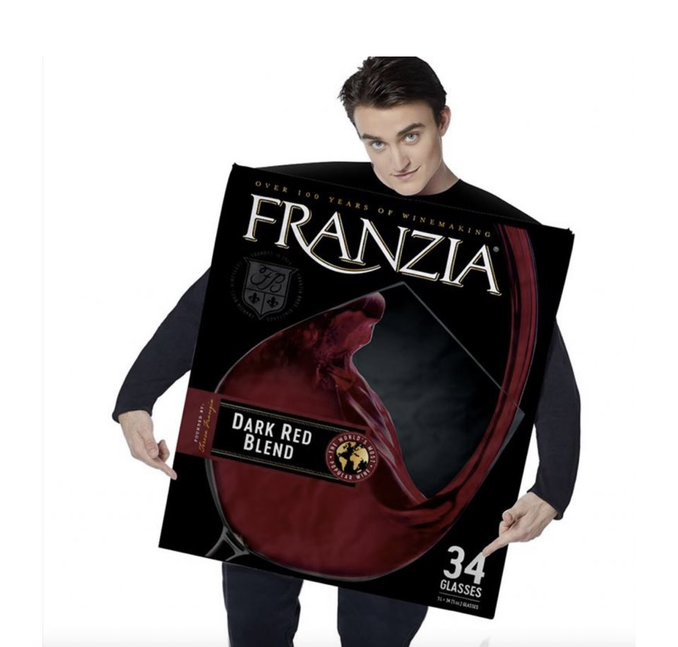 Please say we can do a #Thursdayclub on #talkradio dressed in this wine box costume, @Iromg?! 🍷💃There's a Chardonnay too AND they dispense actual vino! #friday #winetime thedrinksbusiness.com/2021/10/you-ca…