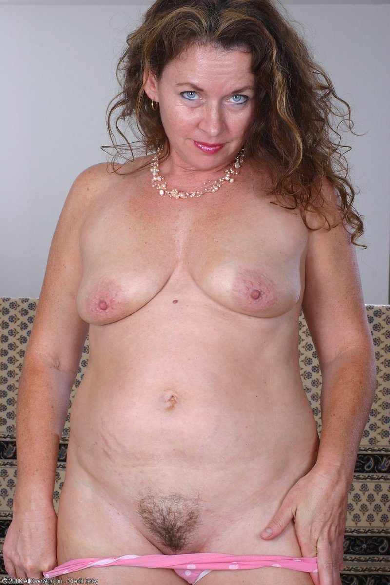 Now That's Horny ! 😈 All my Fantasies are here ⬇️ (@NowThatsHorny) on Twitter photo 2021-10-08 23:32:20