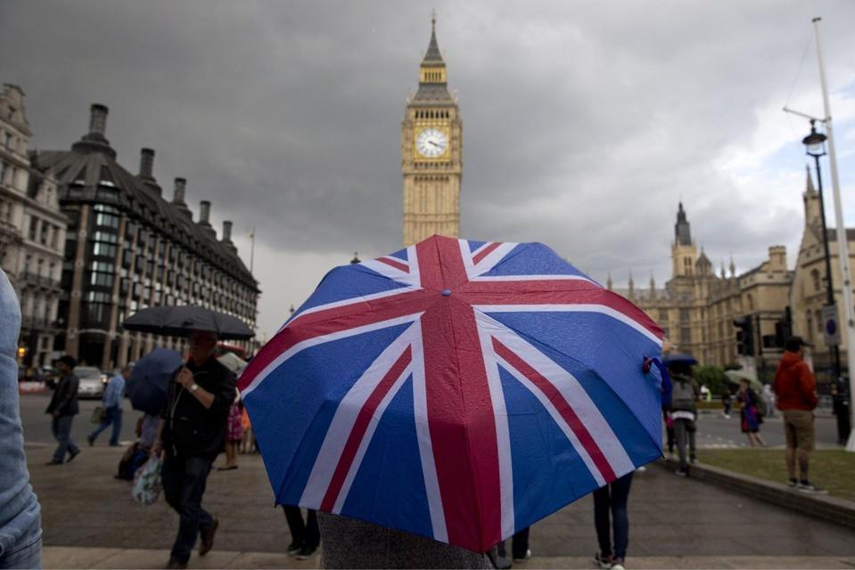भारत ने ब्रिटेन से आने वाले नागरिकों पर लगाए गए कोरोना प्रतिबंधों को वापस लिया
