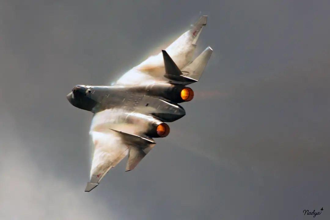 Su-57 Stealth Fighter: News #8 FBQN6tFWEAE_F16?format=jpg&name=medium