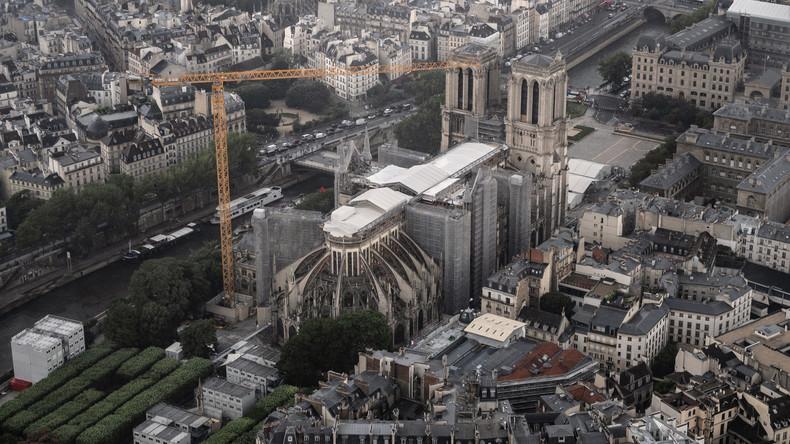 #FAIT_DIVERS🇫🇷✈️⚡️⛪️Un pilote soupçonné d'avoir voulu s'écraser en avion sur la cathédrale #Notre_Dame arrêté à #Paris -