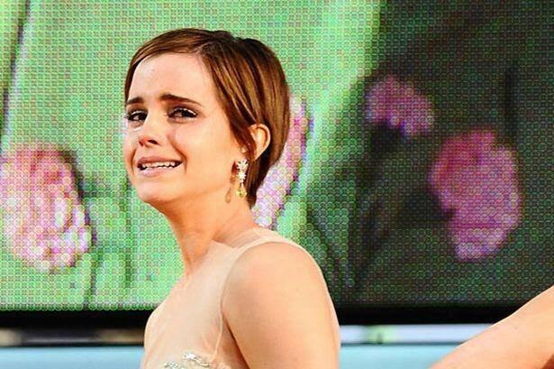 Emma Watson ağlıyor şu an