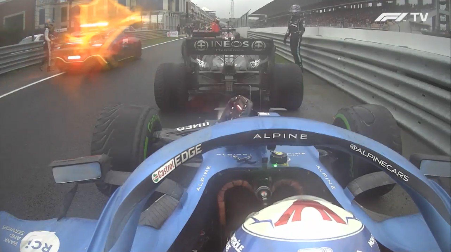 Lewis Hamiltonafferma che la Mercedes ha fatto la scelta sbagliata su quando cambiare le gomme durante le fasi finali del Gran Premio di Turchia.