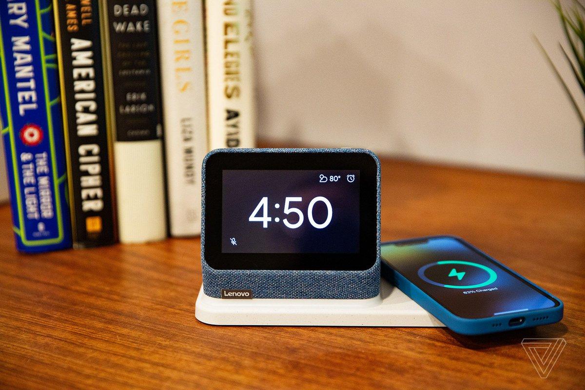 Lenovo Smart Clock 2 review: a good dock with an okay clock